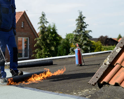 dakdekker voor platte dakbedekkingen